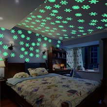 50PCS/Set Colorful Luminous Home snowflake Wall Sticker Glow In The Dark Decal for Kids Baby Rooms Fluorescent Stickers decor(China)