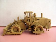 N-55254 1:50 CAT MILITARY 815F Soil Compactor toy(China)