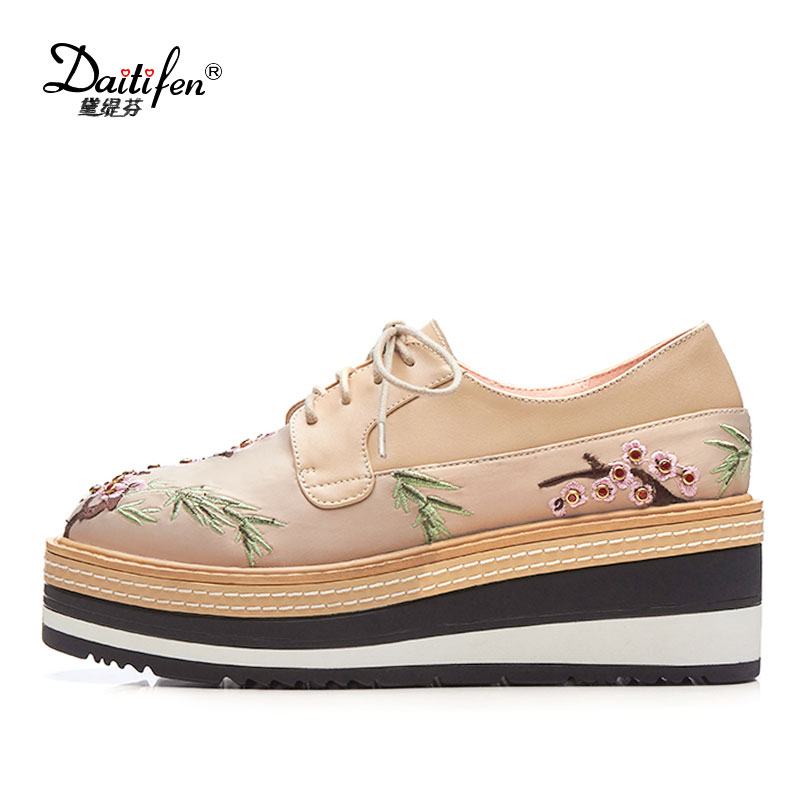 Daitifen 2018 Stylish Design Print women Flat Platform shoes Classic Lace-up Footwear mujer Cow leather Embroider Scarpe Donna<br>