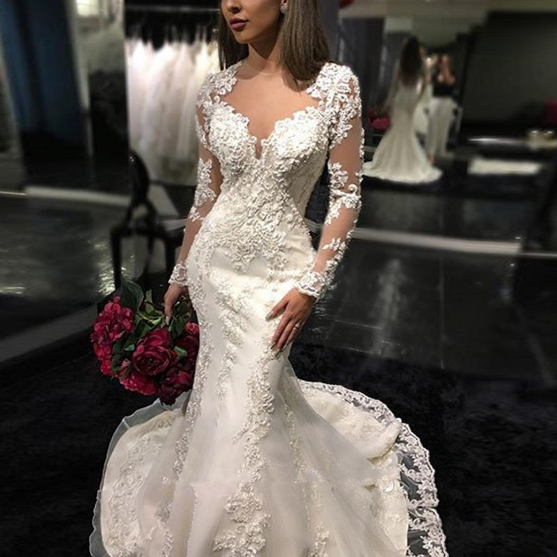 Charming  2019 Simple Vestido V-neck Beach Wedding Dresses Boho Appliqued Sheath Spaghetti Straps Sleeveless Bridal Dresses