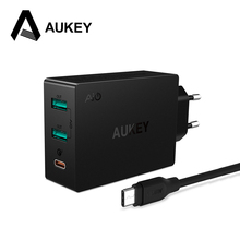 AUKEY Mobile Phone Charger 2-in-1 Universal Wall Charger USB Type C Quick Charger 3.0 Fast Travel Charger for Galaxy S8 Xiaomi
