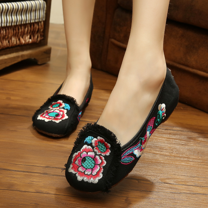New summer design fashion soft flowers embroidery sexy dancing shoes women flats shoes for ladies black and red chaussure homme<br><br>Aliexpress