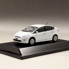 Original factory 1:43 TOYOTA PRIUS boutique alloy car toys for children kids toys Model gift original box freeshipping(China)