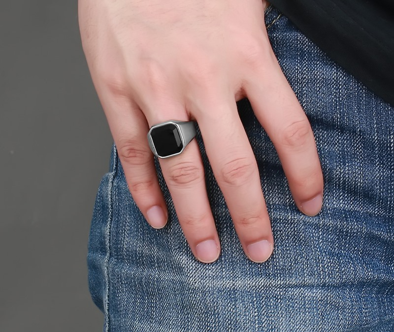 Fashion Mens Signet Rings Stainless Steel Band with Black Stone Inlay Ring for Men Vintage Biker Jewelry Bague Anel Masculino