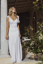 2015 Beach Lace Wedding Dresses Backless V Neck Summer Style Chiffon Skirt Vestidos De Novia Backless Vintage Bride Sexy Gowns
