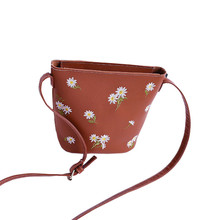 women messenger bags White flowers embroidery high quality casual Fashion leather Handbag Shoulder Bag Ladies Small bucket bags(China)