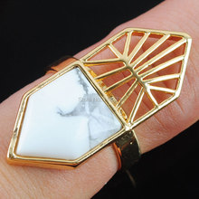Free shipping New Fashion White Howlite Turquoises Gem Stone Gold Color Reiki Chakra Adjustable Ring Jewelry 1Pcs PX3005(China)