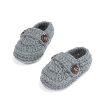 Fashion Buckle Baby Boy Shoes Handmade Knitting Crochet Booties Cheap Baby Crochet Shoes 10 cm(China)