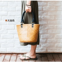 2017 Thai version of the new straw bag women's handbag European and American style female package rattan bread package beach bag