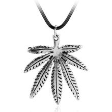 Marine Romance Leaf Necklace Polynesia Princess Moana Necklace Retro Silver Rope Chain Pendant Men's Fashion Jewelry Accessories