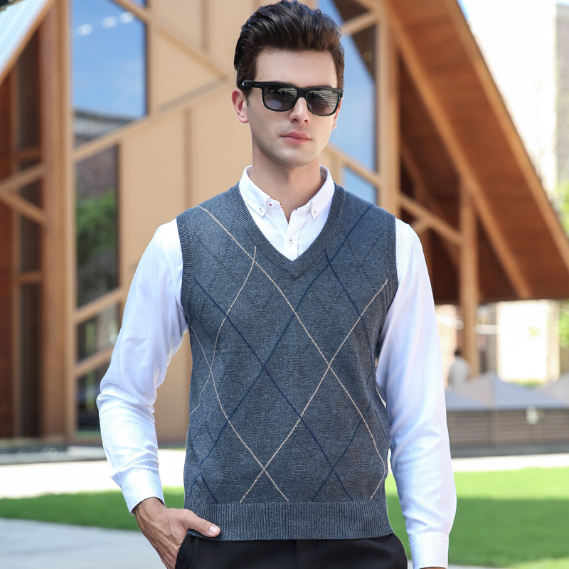 new arrival fashion Autumn Winter Men YouthThick Computer Knitted V-neck Vest, Sleeveless Men's Sweaters size M L XL XXL XXXL