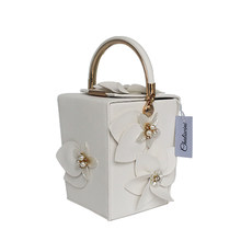 Designer Pink PU Flowers Beaded Women Totes Bags Evening Party Clutches  Gift Box Clutch Wedding Dinner c930be08158ae