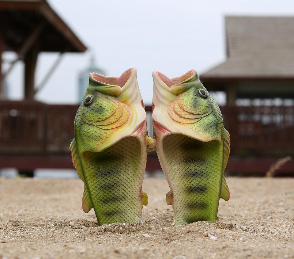 Kala kujulised kummist plätud
