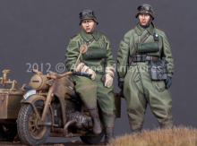 1:35 WWII German motorcycle soldiers