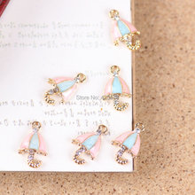 Wholesale 50PCS/Lot 10*17MM Pink&Blue Striped Oil Drop Fashion Umbrella Jewelry Charms Girls DIY Phone Chain Keyring Charm(China)
