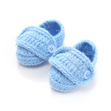 0-12M Handmade Confortable Baby Prewalker Shoes Newborn Baby Girl First Walker Warm Crib Shoes Crochet Blue Knitted shoes(China)
