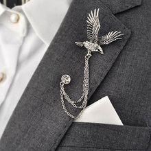 Fashion Men's Flying Eagle Brooch Vintage Party Formal Suits Lapel Pins Brooch Men Classic Male Alloy Brooch Corsage FHJ596