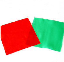 Free shipping 15*15cm red or green square silk for magic tricks