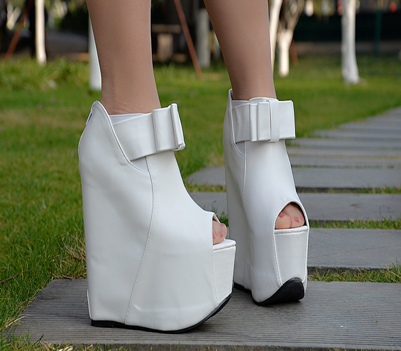17cm the new spring and summer high heeled wedge sandals girl white platform shoes thick waterproof Taiwan increased fish mouth<br><br>Aliexpress