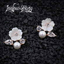 New Fashion Flower Tiny CZ Stone Earrings Pave Simulated Pearl Cute Girls'Stud Earrings Party Gift For Women Boucle d'ore AE272