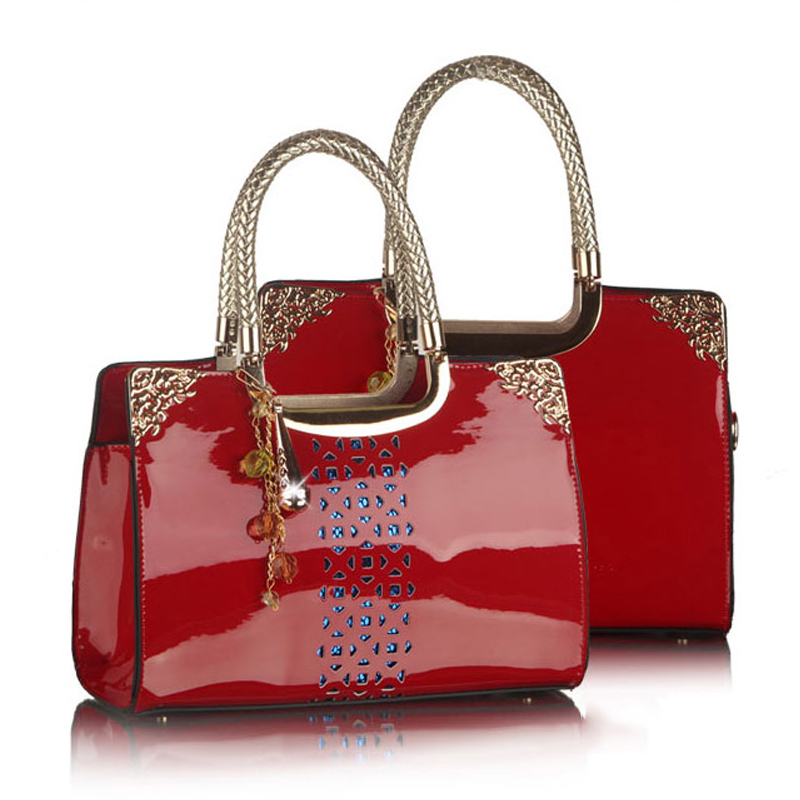 RED England Style Women Bag 2018 Hollow Out Pattern Women PU Leather Handbags Fashion Design Women Messenger Bags Shoulder Bags<br>
