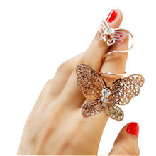 2017 Fashion New Vintage Punk Rings Personalized European Finger Ring Exaggerated Hollow Butterfly Pattern Flexible Long Ring