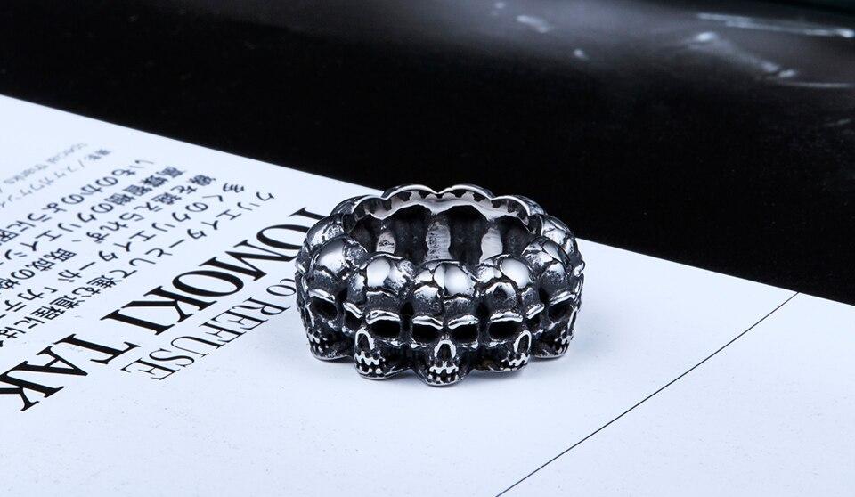 แหวนเท่ห์ๆ แหวนกะโหลกล้อม สแตนเลส ส่งฟรี1