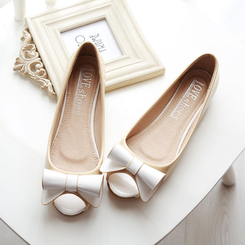 Womens Plus Size Ladle Shoes Female Spring And Summer 2017 Open Toe Shoe Flat Heel Sandals Female Small Yards<br><br>Aliexpress