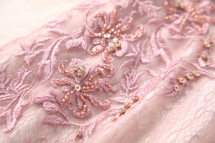 The spring of 2018 women's new heavy embroidery Nail Drill perspective gauze stitching lace slim dress T8132