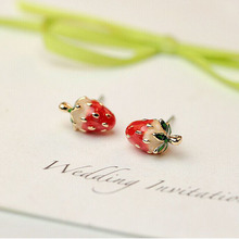 2016 Hot Fashion magazines Recommend Lovely Simulation Small Strawberry Enamel Glaze Stud Earrings Women Jewelry Christmas Gifts