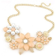 2016 high quality fashion Rhinestone bright flower charm necklace gift necklace and statement necklaces jewelry wholesale