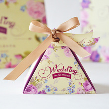 50pcs/lot Pyramid Spring Flower Print Purple Tone Wedding Favor Boxes Wedding Gift for Guests Party Decoration Party Supplies(China)