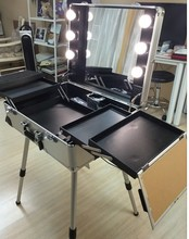 Professional 4 Wheels Rolling Makeup Case Cosmetic Train Case with Mirror and Lights