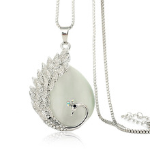 CL071 Fashion Wind Romantic Sweater Chain Animal Opal Peacock Pendant Necklace