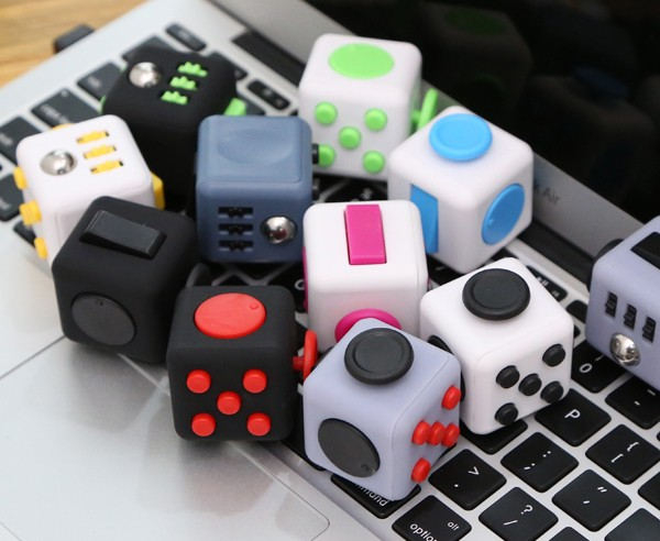 Mini Fidget Cube Toy Vinyl Desk Finger Toys Squeeze Fun Stress Reliever 3.3cm High Antistress Cubo -wd