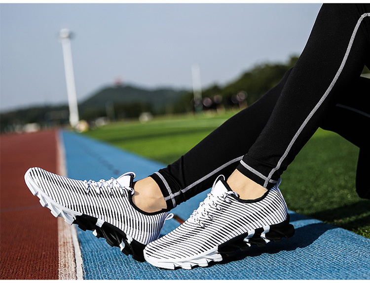 17New Hot Light Running Shoes For Men Breathable Outdoor Sport Shoes Summer Cushioning Male Shockproof Sole Athletic Sneakers 38