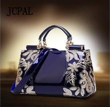 2017 Promotion Autumn And Winter Ladies New Handbag Female Lacquered Leather Middle-aged Handbags Mother Bag Shoulder Messenger