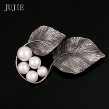JUJIE Double Leaves Brooches For Women 2016 Korean Fashion Simulated Pearl Aolly Brooches Unique Design Exquisite Scarves Buckle