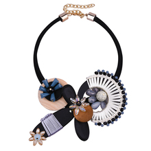 Women's Graceful Flower Wood Leather Crystal Bib Pendant Chain Necklace perfumes Jewelry Gift Wedding