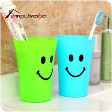 2017 NEW Cups Of Coffee Cup Sweet Smile Couple Wash Brush Cup Cartoon Mug Free Shipping Toothbrush Cup