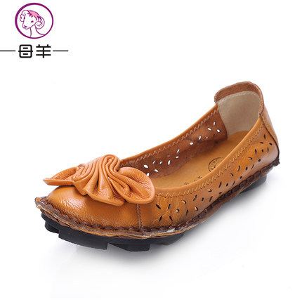 MUYANG Chinese Brand Fashion 2017 Summer Shoes Woman Flats Women Genuine Leather Flat Sandals Flower Casual Shoes Women Sandals<br><br>Aliexpress