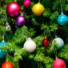 24pcs 4cm Christmas Baubles Glitter Chic Round Christmas Balls Ornament New Year Christmas Tree Decorations(China)