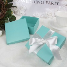 50Pcs/lot Wedding Favors and Gifts Box Blue Paper Gift Bag with Silk Ribbon for Wedding Decorations Event Party Supplies(China)