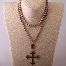 Free Shipping Fashio Artisan Halsband Brown Color Glass Knotted Cross Pendant Necklaces