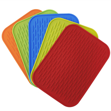 Practical Silicone Holder Mat Kitchen Heat Non-slip Resistant Trivet Pot Tray Straightener High Quality
