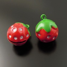 10pcs/pack Jingle Bells Strawberry Crafts Necklace Pendnat Charms Christmas Cherry Phone Pet Decor Baby Gift 35268 21*17*16mm