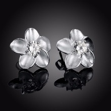 Natural Pearl Shell Daisy Flower Stud Earrings For Women Young Lady Girls 925 sterling silver 2017 New Fashion Korean Jewelry