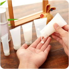 5 pcs Empty Cosmetics Bottles Refillable Screw Cap Spray Flip Bottles Portable Shampoo Shower Gel Containers