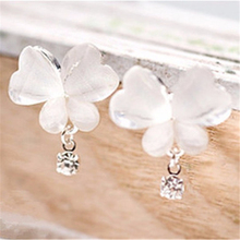 10Pairs/lot Wholesale Beautiful Opal Butterfly Stud Earrings for Women White Animal Earrings Women boucle D'oreille Femme