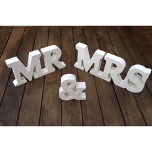 1 Set  MR & MRS Wedding Decoration Letters White MDF Board MR MRS Party Direction Sign Engagements Wedding Decoration 602373